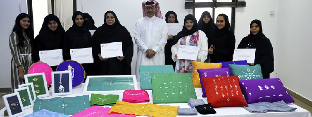 HANDICRAFTS DIRECTORATE DISTRIBUTES CERTIFICATES TO THE PARTICIPANTS OF THE ANAQDA WORKSHOP