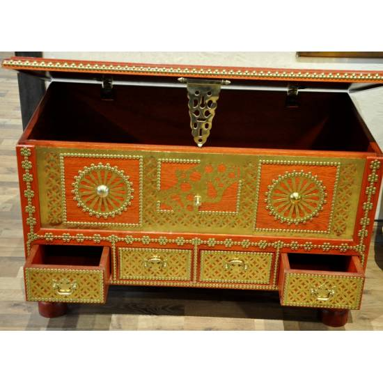 Very Large Traditional Chest 4 drawers