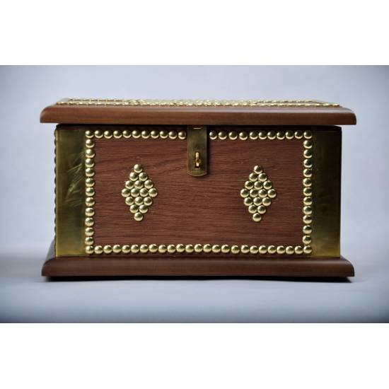 Large Medium Traditional Chest